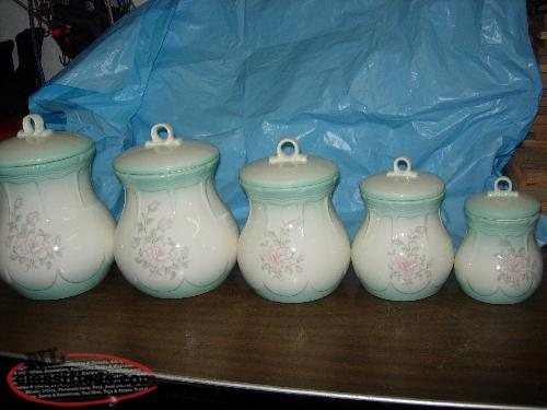 5 PIECE CANISTER SET NEW