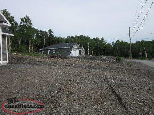 LAND FOR SALE (90' x 180')