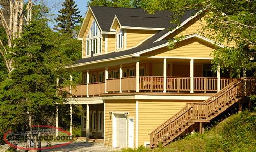Spectacular 5000sq-ft 5-bdrm chalet for rent @ Humber Valley
