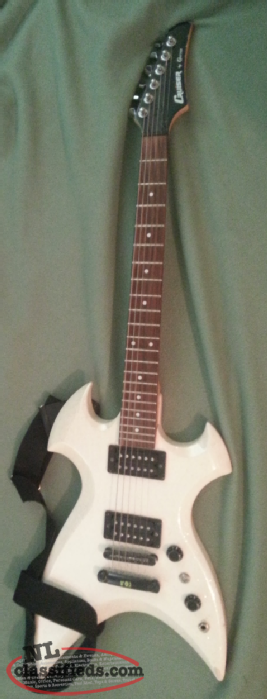 cruiser Electric guitar , strap and carrying bag