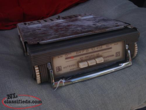 vintage 60's car / portable radio