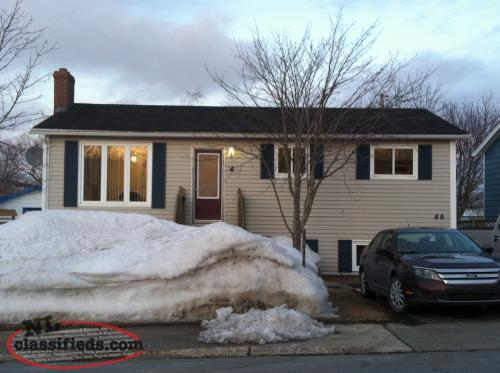 3 Bedroom main floor HEAT/HOT WATER INCLUDED!