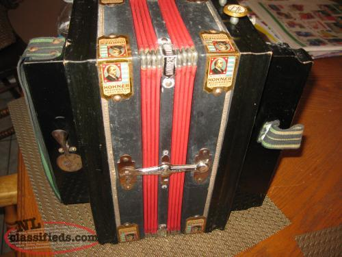 Accordion in original condition