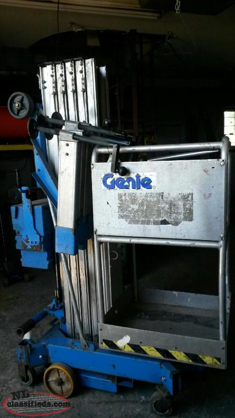 25 foot Genie Lift