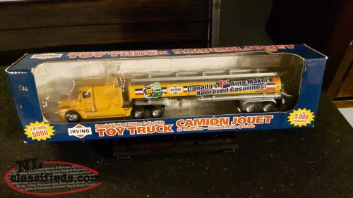 Diecast Irving Tractor Trailer 1:64 scale
