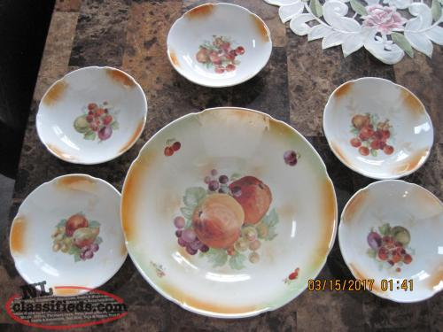 Fruit bowl and dish set