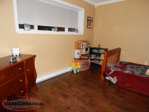 2 Level 3 bedroom and 2 washroom home with attached garage