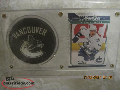 Hockey card and puck