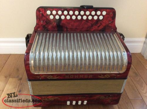 Hohner Corso button accordion. CF
