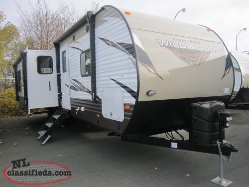 2018 Wildwood 27REI Double Slide Couples Trailer with Kitchen Island.