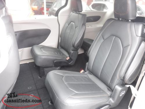 2017 Chrysler Pacifica Touring with heated leather $229 B/W