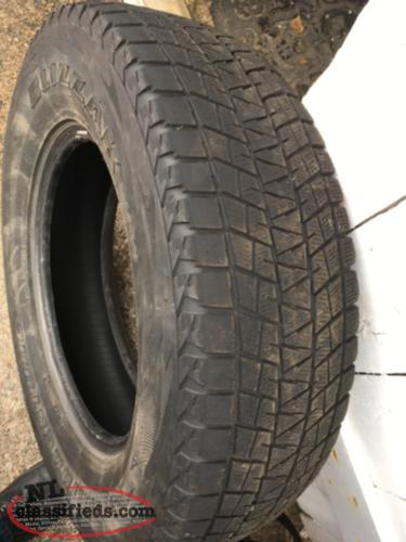 Bridgestone Blizzak winter tires (4) P235/75R17