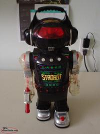 "Vintage 1984 18"" tall Electronic Robot - Original Model"