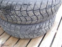 one LT225 75R 16 tire