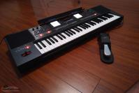 Roland EA7 Arranger Keyboard