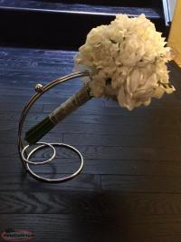 Wedding bouquet holders