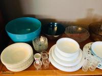 Assorted Bowls/Dishes/Cups