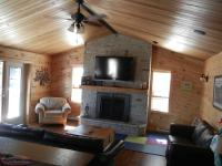 Beautiful 3 bedroom cabin located on Ocean Pond