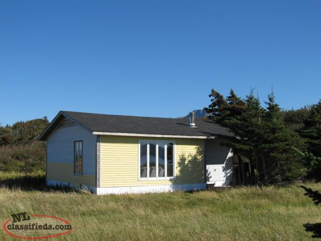 CABIN FOR SALE ON GOVERNOR'S ISLAND, BAY OF ISLANDS, NL