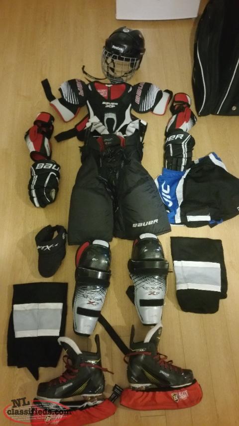 55cf92a5e45 Full set of hockey gear - Bay Roberts