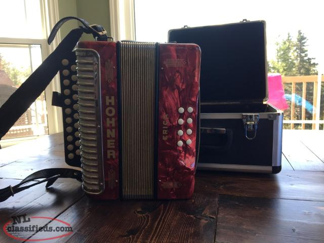 Horner Erica Accordion