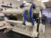 CUMMINS MARINE DIESEL ENGINE