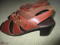 2 pair Ladies leather shoes 1 pair new, 1pair like new, s6. all cushion insoles
