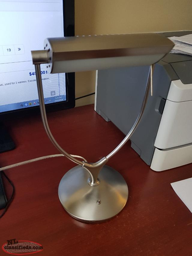 Modern BRUSHED NICKLE Desk Lamp