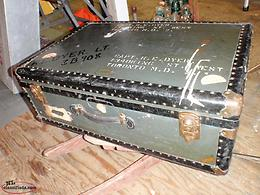 OLD WAR TRAVEL TRUNK