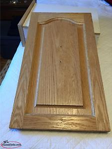 OAK CABINET DOORS AND THREE DRAWER FRONTS WITH DRAWERS ATTACHED