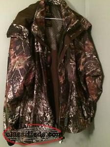 Men's Size L ,Browning camo Hunting Jacket{NEW PRICE}!!