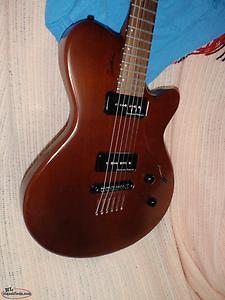 godin electric guitar . like new condit