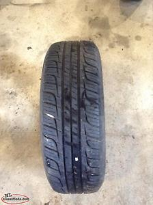 P225/70R15 Toyo Touring Radial Tire (NEW)