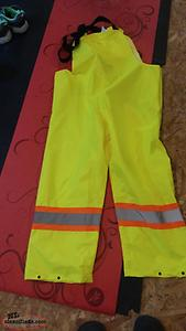 Size small safety rain pants