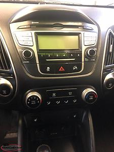 2011 HYUNDAI TUSON ALL WHEEL DRIVE (75000km.s)