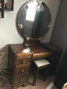 Pre war bedroom set