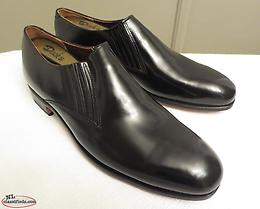 Dack's Canadian-made Black Side-Gusset Loafers in size 10E - New Old Stock!