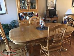 Solid Oak Dining Room Set (Table, Chairs, Buffet/Hutch)
