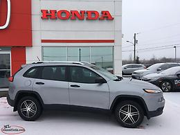 Sale!!!! 2015 Jeep Cherokee Sport 4x4 59200KM with Tow Package!!