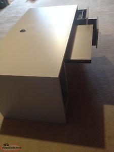 Desk in great shape with 2 drawers and pull out key board drawer