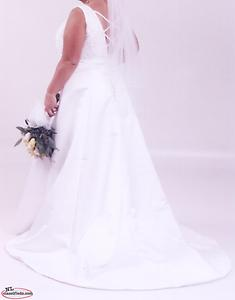 Wedding Dress - size 16-18