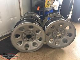 18 Inch Truck Tire Rims, Lug Nuts and Nut Cap Covers