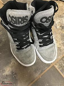 Osiris Grey shoes (Size 7.5)