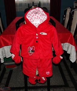 Disney Minnie Mouse Soft Snowsuit size 6 to 12 Months. Like New