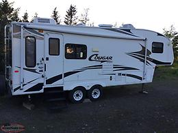 2008 Cougar 28' Fifth Wheel