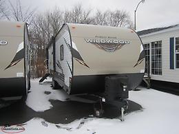 2018 Clearance! Reduced by $6000! 2018 Wildwood 28RLSS Couples Trailer