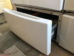 GE Pedestal Washer And Or Dryer