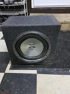 "12"" sub in carpeted box"