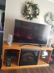55inch lg, 4k smart tv and solid oake tv- fireplace