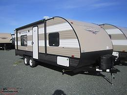 2019 Wildwood 241QBXL Lightweight Couples Trailer Only $91 Biweekly!